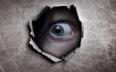 Stalking: cos'è, i comportamenti per individuarlo, la condanna
